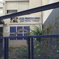 Façade du lycée JPT